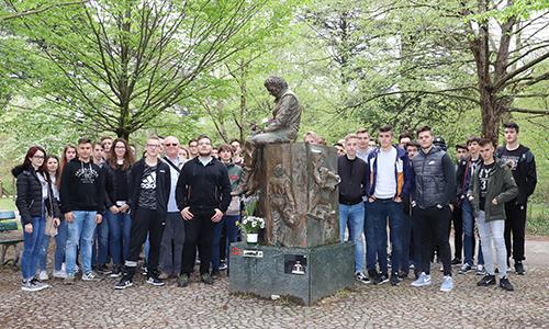 Park s spomenikom Ayrtonu Senni v Imoli, San Marino