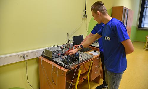 Preizkus delovanja elektropnevmatskega vezja