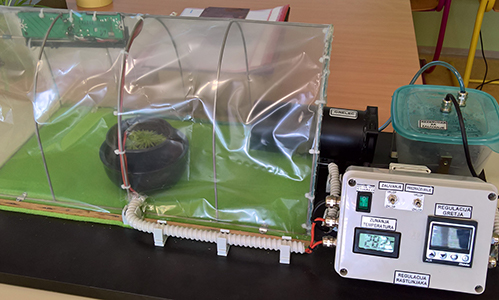 Regulacija temperature in vlage v rastlinjaku
