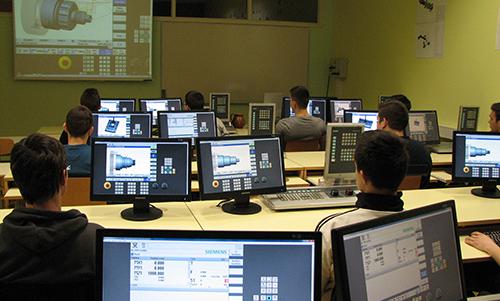 Učilnica za računalniško podprte tehnologije (CAD/CAM/CAE)